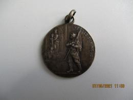Ww1   Reviens Et Victorieux 1914.15.16 Veillez Sur Nous  Medaille Metal - 1914-18