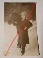 Photo Vintage. Original. Mode. Fille Et Cheval. Lettonie D'avant-guerre - Oggetti