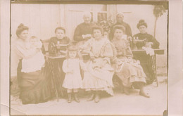 Carte Photo A Situer  Machine A Coudre Couturieres - To Identify