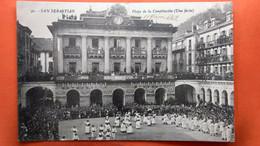 CPA. San Sebastian.  Plaza De La Constitucion  ( Une Fiesta)  (R1.963 ) - Guipúzcoa (San Sebastián)