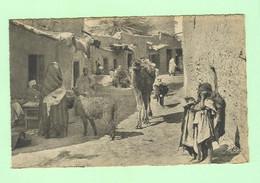 K835 - AFRIQUE - Scènes Et Types - Une Rue Du Village Arabe - Unclassified