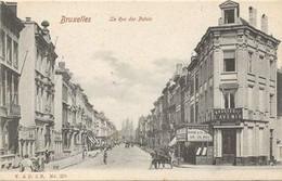 REF4229/ CP-PK Bruxelles La Rue Des Palais Brasserie De L'Avenir Animée  MINT - Cafés, Hôtels, Restaurants