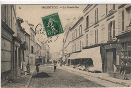 ARGENTEUIL   LA GRANDE RUE - Argenteuil