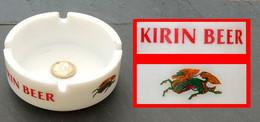 Ancien Cendrier Bière Japonaise KIRIN (bière Du Dragon) Opaline Blanche - Ashtrays