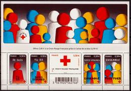 """2013  Feuillet  N° F4819  """"Croix-Rouge""""  Neuf** - Ungebraucht"""