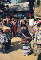 L'AFRIQUE EN COULEURS - La Danse Au Village - Unclassified