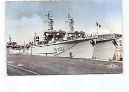 Dunkerque - Dragueur De Mines En Visite Officielle.     Edit J.Top  - Bateau De Guerre - Dunkerque