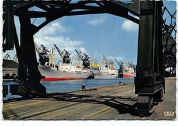 Dunkerque -Le Port . Edit  CAP   Quais De Dechargement. CPSM GF - Dunkerque