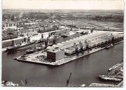 Dunkerque.   Le Port Et La Chambre De Commerce.  La France Vue Du Ciel Edit Artaud   CPSM GF Reconstruction - Dunkerque