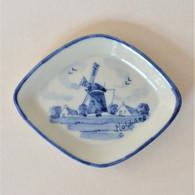 Ancienne Assiette Miniature Moulin Hollande Bleu De Delft 9 Cm Très Bon état - Delft (NLD)