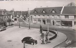 Martilly Près Vire 14. Place Saint-Martin Et L'Hôtel Saint-Martin. Peugeot 203,  Jym 18 - Other Municipalities