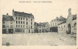 """CPA FRANCE 21 """"Is Sur Tille, Place De La République"""" - Is Sur Tille"""