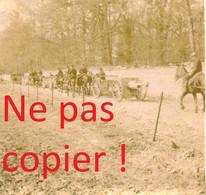 PETITE PHOTO FRANCAISE - CANONS PASSANT DEVANT LE CHATEAU A AUBILLY PRES DE VRIGNY - REIMS MARNE 1914 - GUERRE 1914 1918 - 1914-18