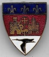 Insigne émaillé Augis à Identifier  ( Armoiries De Toulouse Et Cigogne ) - Ohne Zuordnung