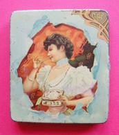 1900 Jolie Dame New Art Nouveau Publicité Biscuits Pernod  éditeur Biscuits Pernot Dos Scanné 7x8x1cm TOP - Scatole