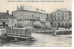 55 - FRESNES EN WOEVRE - La Place Margueritte, L'Hôtel De Ville Et La Maison D'Ecole - Otros Municipios
