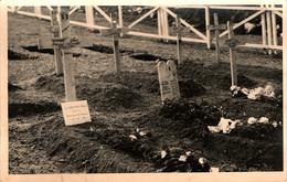 Tombes De Soldats Français Tombés Lors De La Campagne D'Italie En 1944 - War Cemeteries