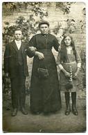 Photo Carte Famille Femme Enfants Avec Leur Mère ( En Robe Soutane Sac à Main ) Garçon Et Fille - Fotografie