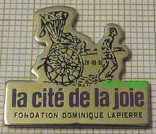 """DOMINIQUE LAPIERRE  Fondation   """" LA CITE DE LA JOIE """"   Mère Thérésa - Asociaciones"""
