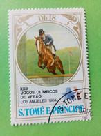 SAO TOME E PRINCIPE - Timbre 1983 : 23e J.O. D'hiver De Los Angeles '84 - Equitation - Saut D'obstacles - São Tomé Und Príncipe