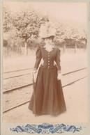 CABINET - Portrait De Dame élégante Avec Joli Chapeau (anonyme) (BP) - Oud (voor 1900)
