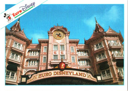 CPM 77 (Seine-et-Marne) Serris - EURODISNEY Disneyland Paris. The Disneyland Hôtel TBE Au Val D'Europe - Disneyland