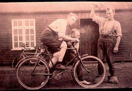 Cyclisme , COUREUR Prêt Au DEPART Course Vélo ,MAN READY To START Cycling RACE  BICYCLE Ca 1900 REAL PHOTO . RARE - Cycling