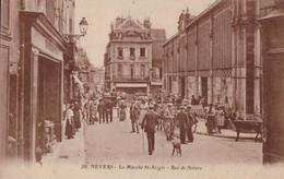 Nevers (58) Le Marché St Aigle Rue De Nièvre CPA Circulée - Nevers