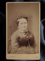 Photo CDV A. Lumière à Lyon - Portrait Femme, Circa 1875 L550-6 - Ancianas (antes De 1900)
