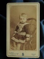Photo CDV Louis Demay à Belley - Jeune Enfant Robe à Col Marin, Circa 1890 L550-6 - Ancianas (antes De 1900)