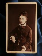 Photo CDV Alphonse Bernoud à Lyon - Jeune Fille Beau Portrait, Circa 1880 L550-6 - Ancianas (antes De 1900)