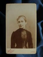 Photo CDV Victoire à Lyon - Portrait Femme, Melle Monod (Nantua)  (1) Circa 1890 L550-6 - Ancianas (antes De 1900)