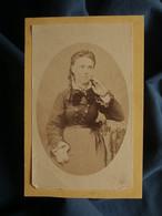 Photo CDV Albert Prouzet à Bordeaux - Femme Pose Pensive, Circa 1870-75 L550-6 - Ancianas (antes De 1900)