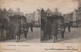 Belgique - BRUXELLES - Sur La Grand' Place -  Vues Stéréoscopiques Julien Damoy - Cartoline Stereoscopiche