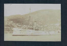 PHOTO -  Bateau A 1 Cheminee Battant Pavillon US Mouillant Dans Une Rade-voir Description - Boats