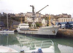 """Carte-photo """"Le Cargo Victress Dans Le Port De Granville"""" Années 90 - Manche - Normandie - Granville"""
