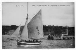 BOULOGNE-sur-MER - Sortie D'un Bateau Pilote - Stevenard 57* - Boulogne Sur Mer