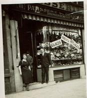 Photo 9,5 X 6,5 Cm - C1950 - Pâtisserie Des Délices - Raeymaekers - De Smet - 111 Avenue De Stalingrad Bruxelles - Luoghi