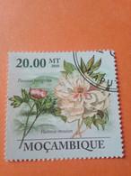 "MOZAMBIQUE - MOÇAMBIQUE - Timbre 2010 : Fleurs - Pivoine ""Paeonia Perigrina"" - Mozambique"