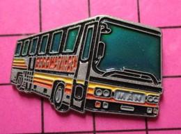 SP06 Pin's Pins / Beau Et Rare / THEME : TRANSPORTS / AUTOBUS ROUTIER MULTICOLORE ALLEMAND MAN MATZINGEN - Transportation