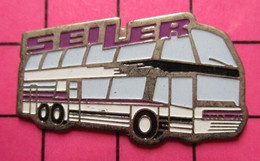 SP06 Pin's Pins / Beau Et Rare / THEME : TRANSPORTS / AUTOBUS ROUTIER BLANC ET LILAS SEILER Tirage Numéroté 0612 - Transportation