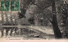 92  MEUDON   CPA   Bois De Meudon - Chaville - Etang De L'Ursine - Meudon