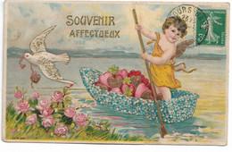 L330A0593 - Angelot En Barque De Fleurs Remplie De Coeurs Avec Une Colombe Sur Carte Gauffrée SER N°687 - Angels