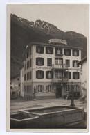 SÜS Hotel Schweizerhof Oldtimer Auto Tanksäule - GR Grisons