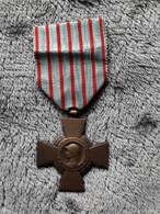 Médaille Française - Croix Du Combattant - Créée En 1930 - Francia