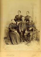 BUDAPEST 1895. Schmidt Ede : Katsy Péter és Családja, Régi Nagyalakú Fotó, Képméret 28*22 Cm - Unclassified