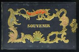 1860-70 Ca. Emlékalbum Díszes, Csattos Egészbőr Kötésben, Eredeti Albumlapokkal , Eredeti Tokban - Unclassified