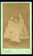 PEST 1865-70. Ca. Perglund : Lányok, Ritka Visit Fotó - Unclassified
