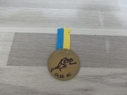 Merksem Lintje Uit Satijnstof OLSE Atletiek Medaille Uit Plastiek - Altri