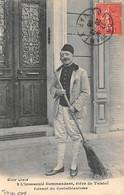 Toulon          83           L'Immaculé Commandant. Elève De Tolstoï Faisant Su Corinthianisme    (voir Scan) - Toulon
